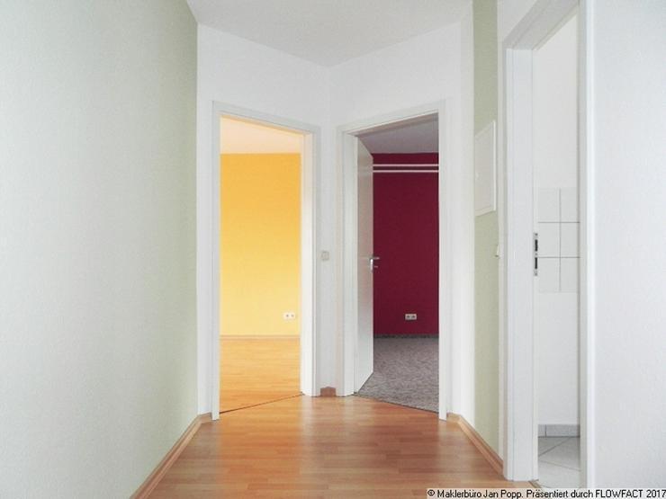Bild 6: Zweiraumwohnung mit Einbauküche und Balkon