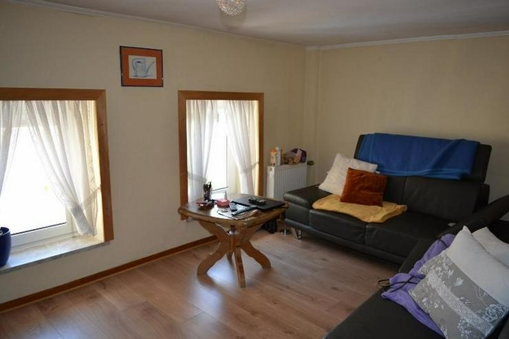 Bild 4: Einfamilienhaus (ca. 130 qm) mit Terrasse, Garage und kleinem Werkstatt ? in ruhig geleg...