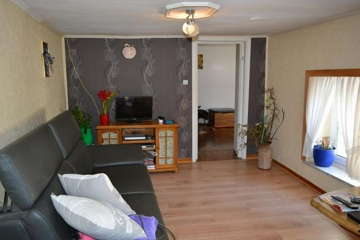 Bild 3: Einfamilienhaus (ca. 130 qm) mit Terrasse, Garage und kleinem Werkstatt ? in ruhig geleg...