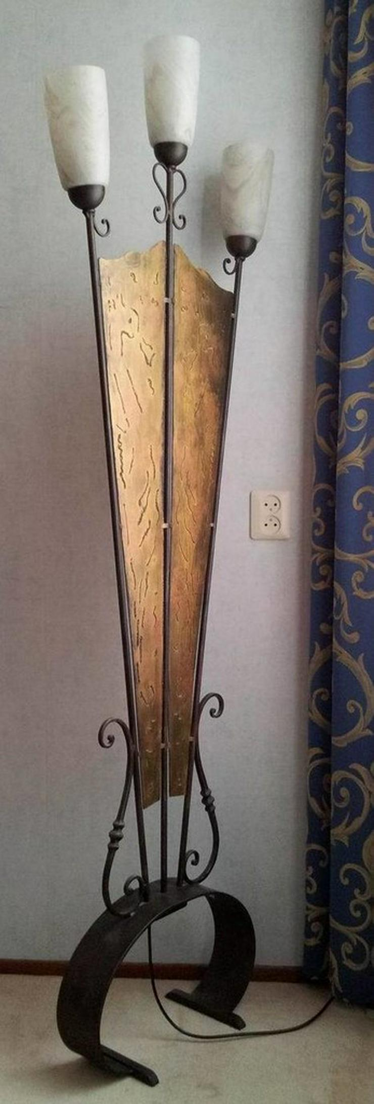 Bild 2: Stehlampe (Schmiedeeisen)