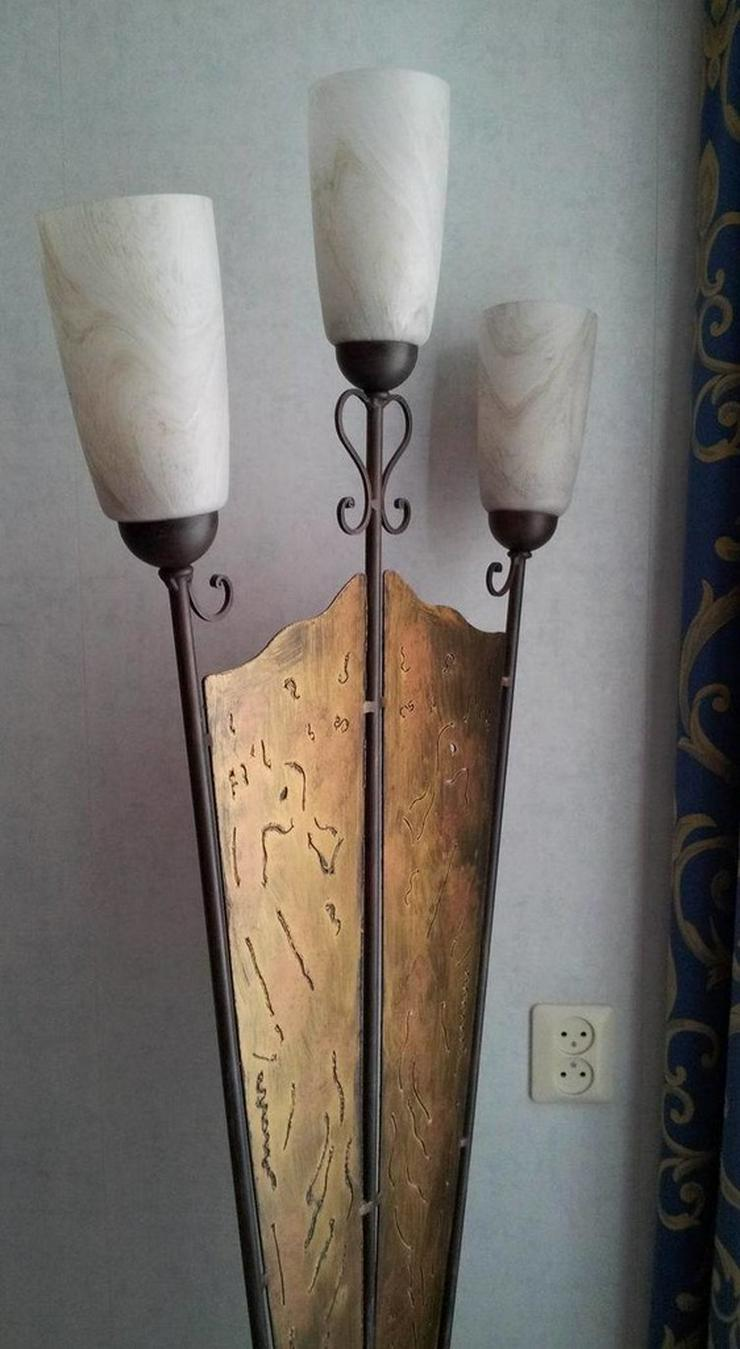Bild 3: Stehlampe (Schmiedeeisen)