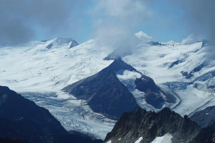 Bild 4: Helikopterflug in der Schweiz