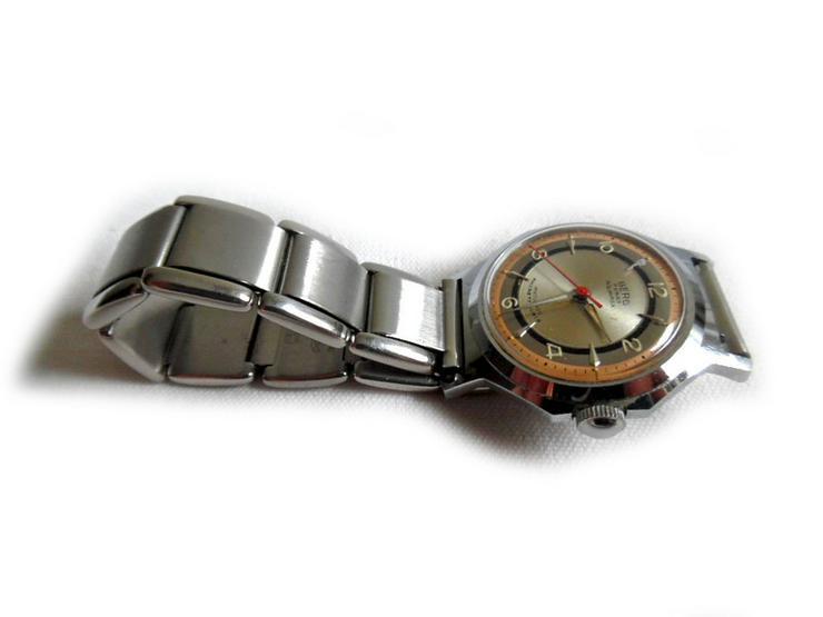 Bild 2: Seltene Armbanduhr von Berg Parat