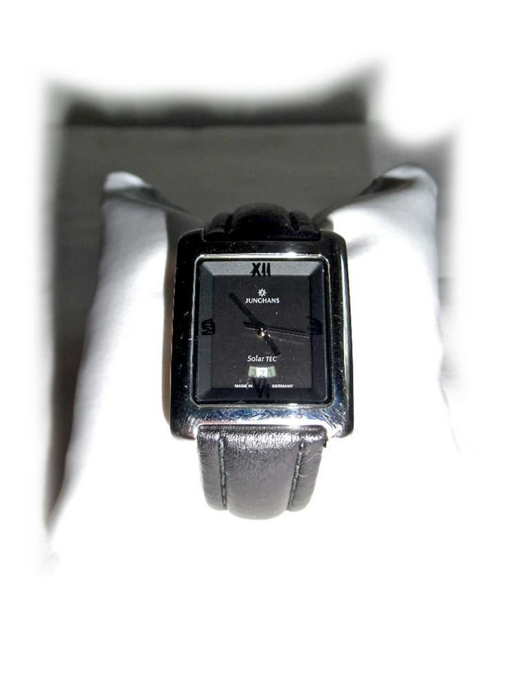 Schöne Armbanduhr von Junghans SolarTEC