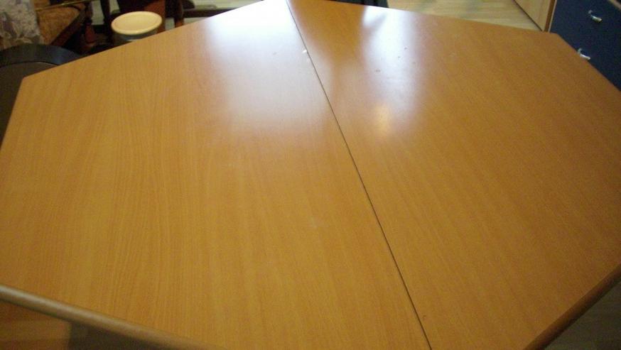 Bild 3: Esszimmertisch