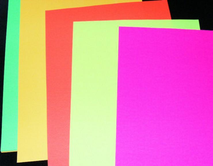 Bild 2: Neonfarbenes Druckerpapier