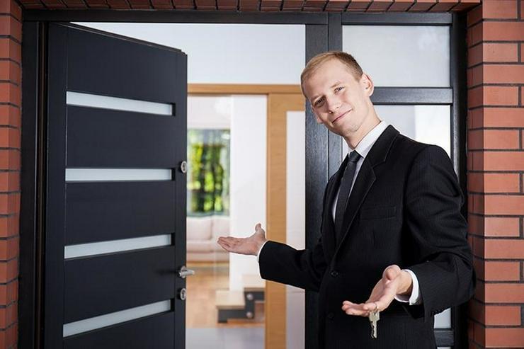 LONGKAMP: Viele Zimmer 9 Zimmer und viel Platz (ca. 180 qm) in Ortslage mit Terrasse & Ste... - Haus kaufen - Bild 1
