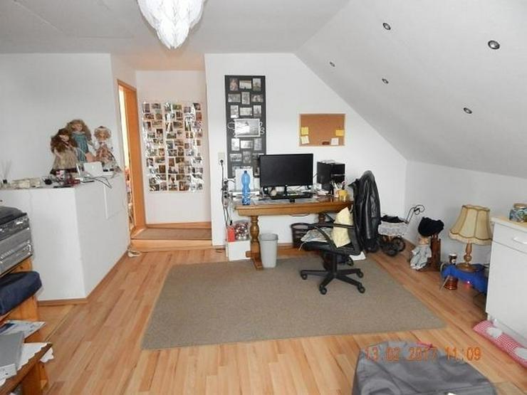 Bild 10: LONGKAMP: Viele Zimmer 9 Zimmer und viel Platz (ca. 180 qm) in Ortslage mit Terrasse & Ste...