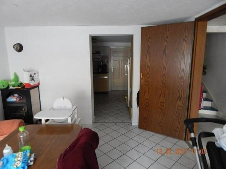 Bild 2: LONGKAMP: Viele Zimmer 9 Zimmer und viel Platz (ca. 180 qm) in Ortslage mit Terrasse & Ste...