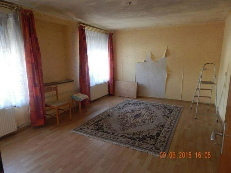 Bild 2: GRIMBURG: Einfamilienhaus 8 Zimmer (ca. 135 qm) mit ehemaligem Ladenlokal - Kaminofen & Ga...