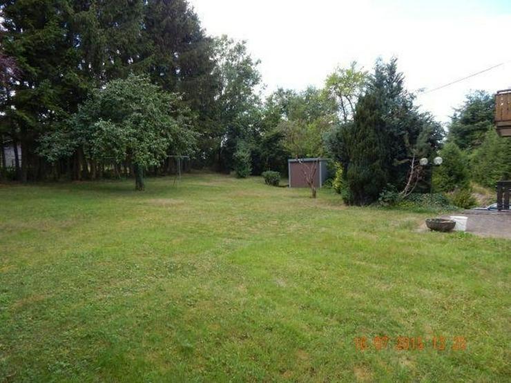 LUTZERATH: Einfamilienhaus 8 Zimmer (ca. 200 qm) in Natur Lage mit Garten & großer Garage - Haus kaufen - Bild 1