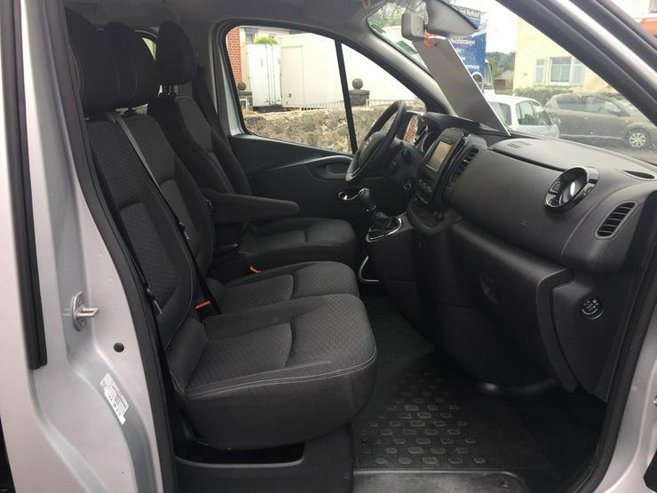 Bild 6: Opel Vivaro B 1.6  L2H1 9 Sitzer