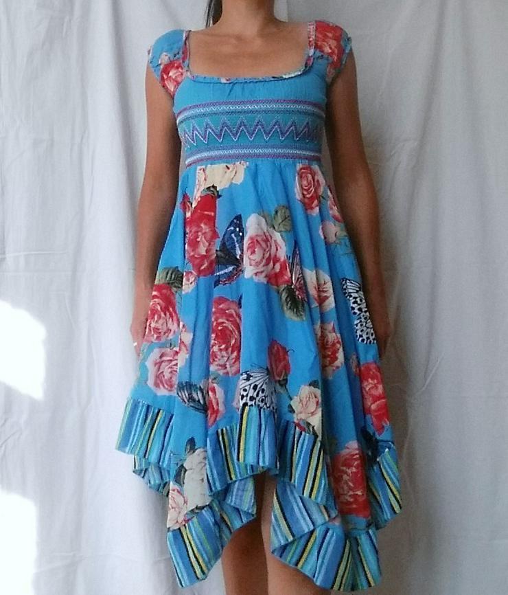 Süßes neues Mädchenkleid Türkis in Größe 140