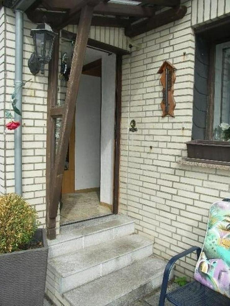Bild 6: Neuheilenbach Eifel Kleines Wohnhaus Doppelgarage Appartement und großer Garten am Wald g...