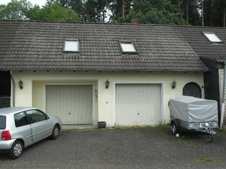 Bild 3: Neuheilenbach Eifel Kleines Wohnhaus Doppelgarage Appartement und großer Garten am Wald g...