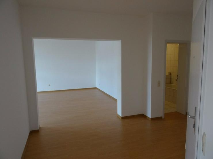 Bild 3: Moderne 2-Zimmer-Altbauwohnung in Plauen zu vermieten.