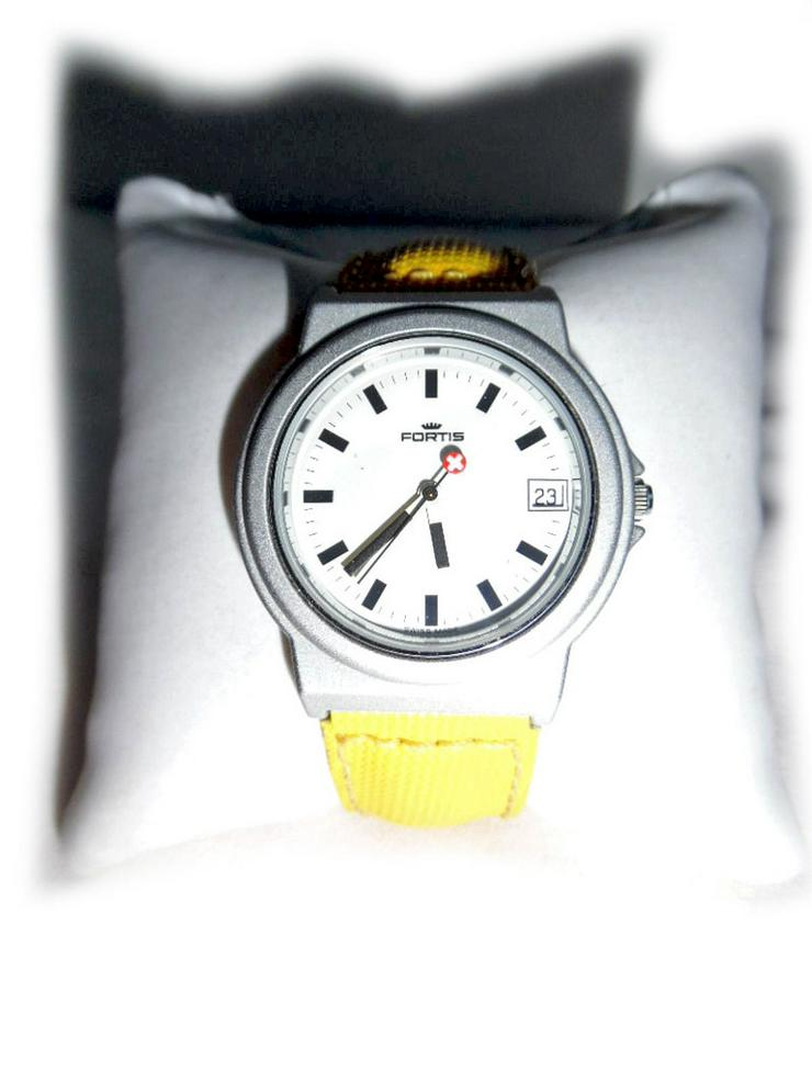 Sportliche Armbanduhr von Fortis - Herren Armbanduhren - Bild 1