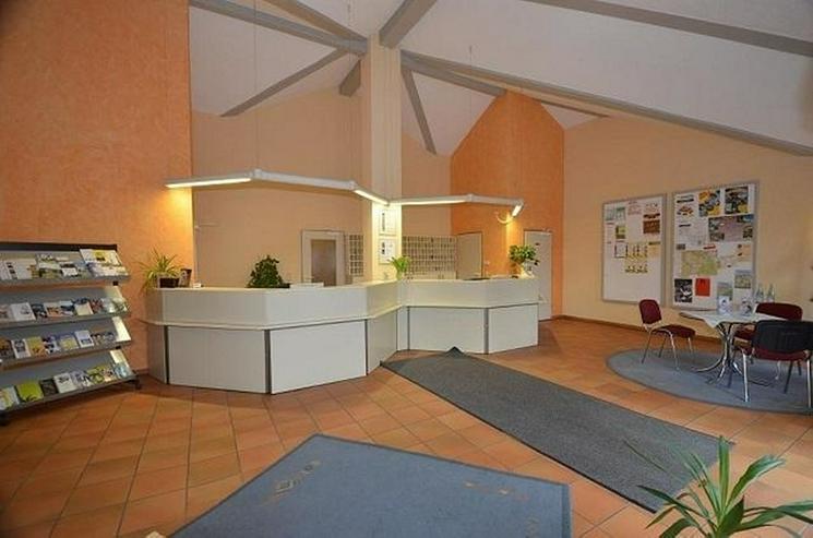 Bild 4: Verwaltungsgebäude zur vielseitigen Nutzung im Ferienpark Himmelberg - von Schlapp Immobi...