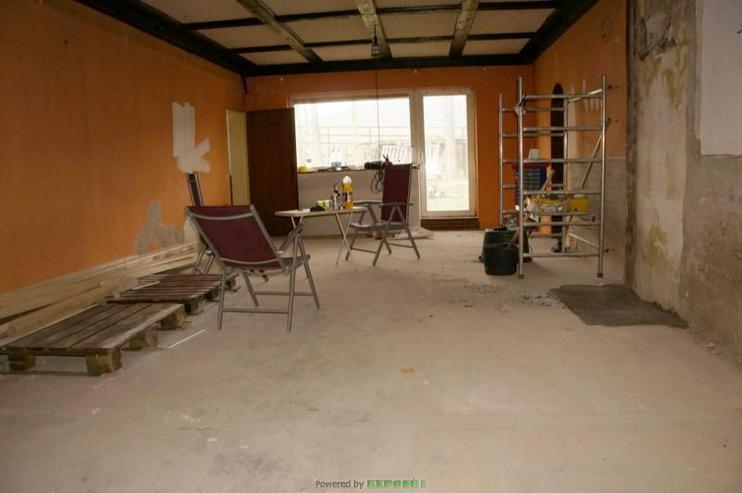 Bild 2: Handwerker Arbeiten, Reiten und Wohnen hier gern