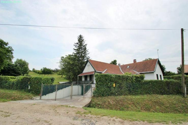 Bild 6: Landhaus auf großem Grund