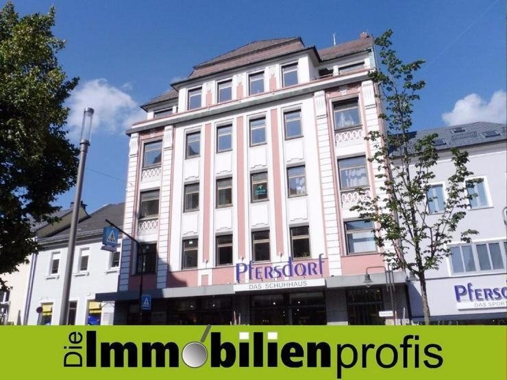 Großzügige Büro-/Praxisräume an einer der besten und zentralen Adressen in Hof (Glasfa...