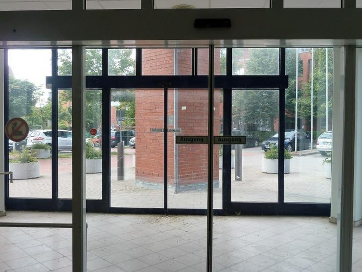 Bild 3: Einzelhandel oder Dienstleistung im Wohngebiet mit 37 Stellplätzen