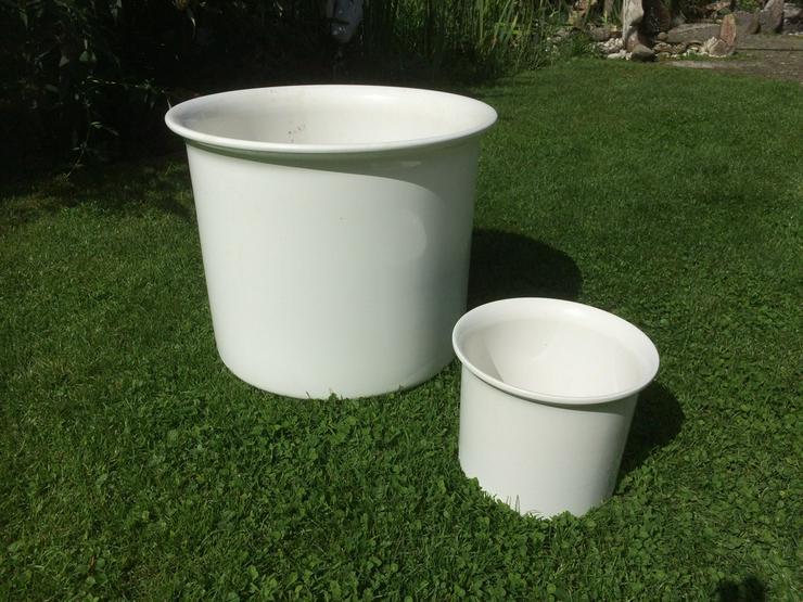 Bild 2: Blumenübertöpfe, Keramik, weiß