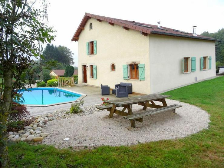 Bild 3: Bauernhaus mit 4 Hektar Umschwung u. Teich - 95 km von Basel