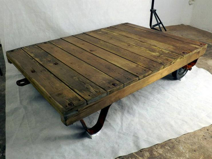 Bild 1: Couchtisch Loft Rollpalette Palettenrollwagen
