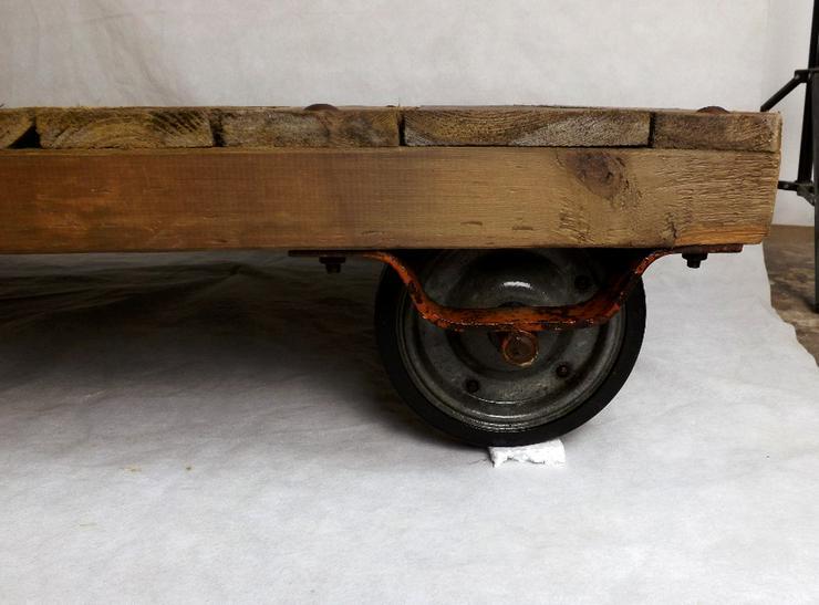 Bild 4: Couchtisch Loft Rollpalette Palettenrollwagen