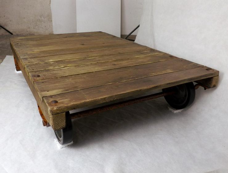 Bild 5: Couchtisch Loft Rollpalette Palettenrollwagen