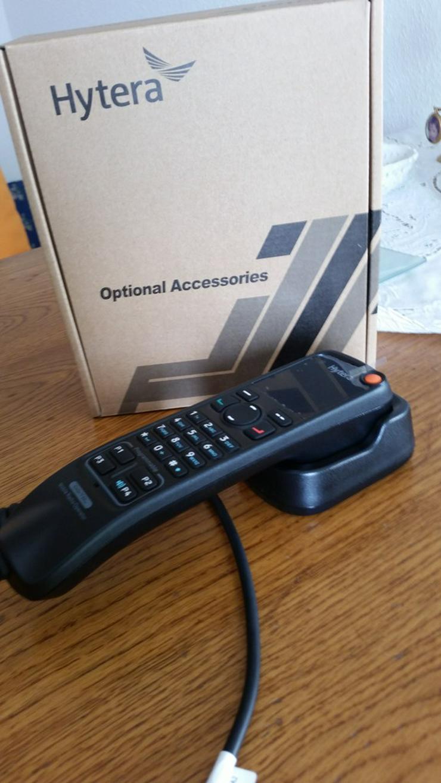 Bild 2: MD785  Betriebsfunkanlage m. Tastatur Handhörer
