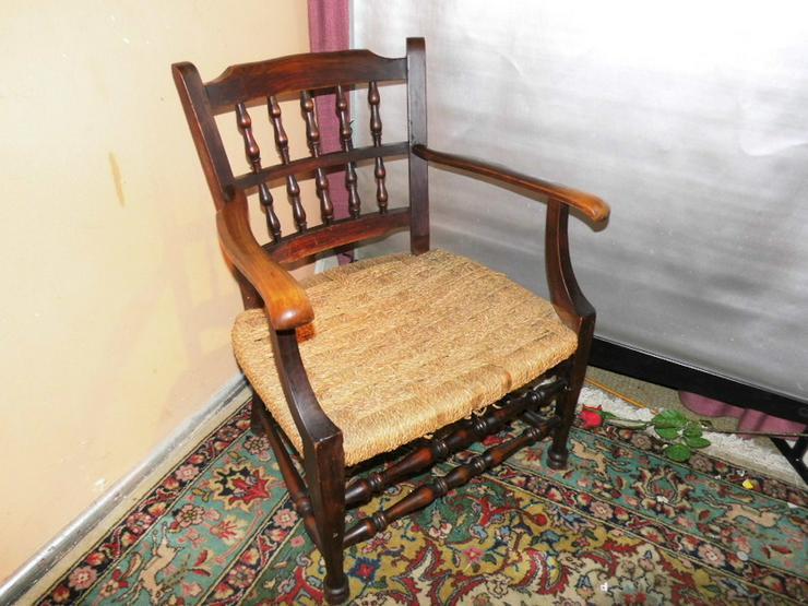 Antiker Armlehnstuhl um 1925 / Holzstuhl / Res - Stühle, Bänke & Sitzmöbel - Bild 1