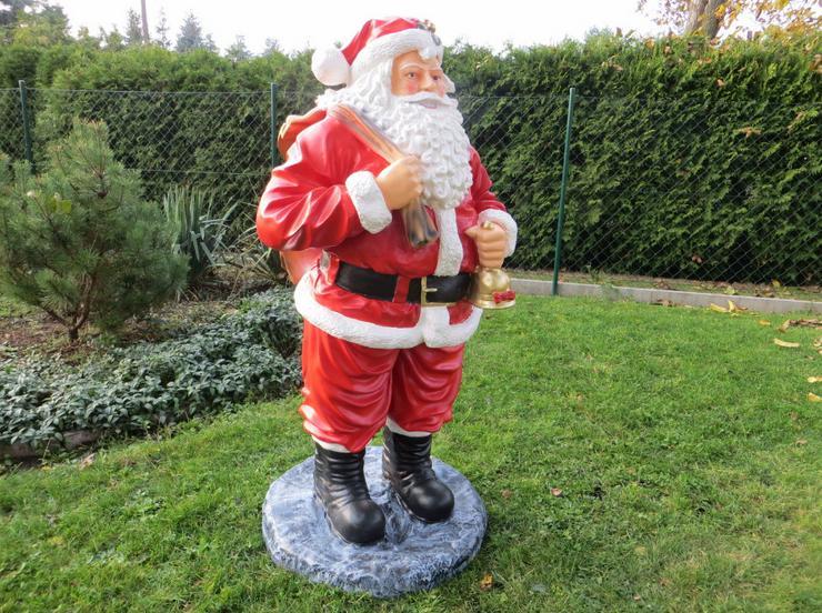 Weihnachtsmann auf Standfuß Gartendeko