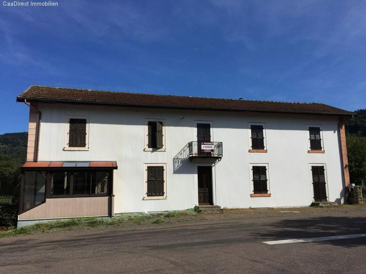 Grosszügiges Doppelhaus im Dorfkern mit Grundstück in den Vogesen - 90 Minuten von Basel... - Haus kaufen - Bild 1