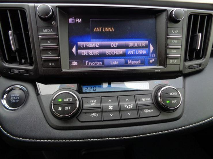 Bild 12: Toyota RAV4 2.0 D-4D Edition S 4x2  mit Navigation