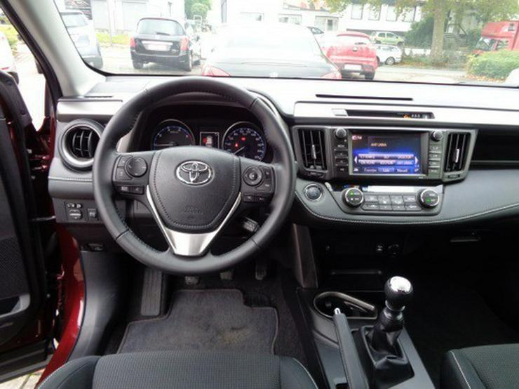 Bild 10: Toyota RAV4 2.0 D-4D Edition S 4x2  mit Navigation