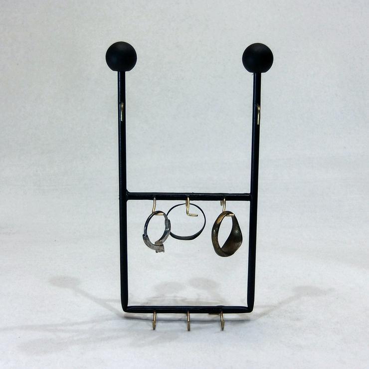 Bild 3: WARENGESTELL für Kleingalvaniken