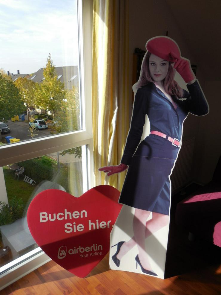 Bild 3: Unikat: Air Berlin Stewardess in Lebensgröße