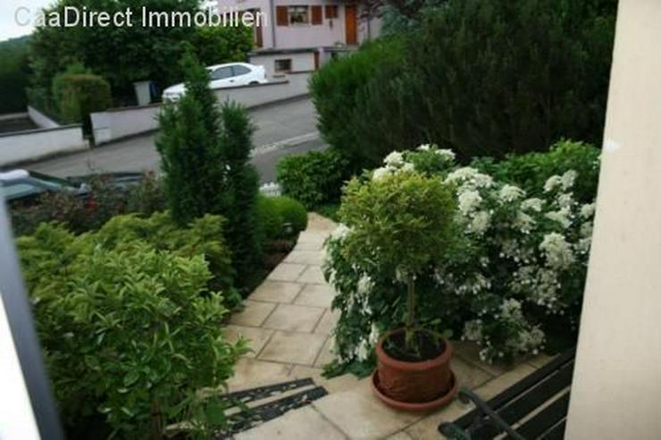 Bild 5: Modernes EFH mit grosszügigem Garten und Pool in ruhiger Lage