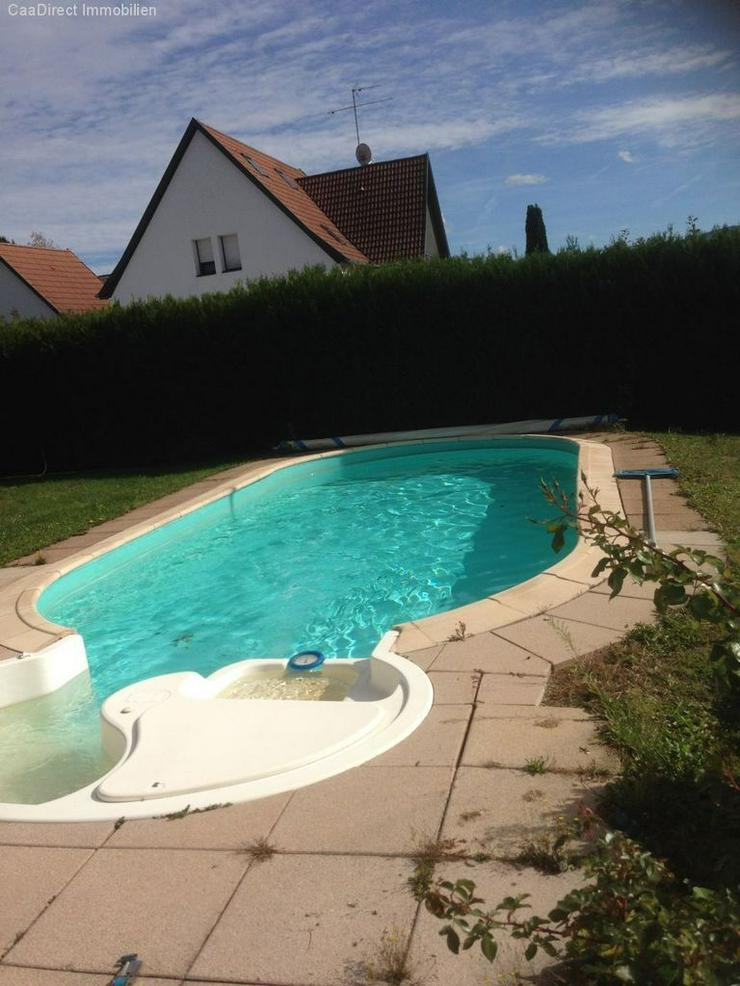 Bild 3: Modernes EFH mit grosszügigem Garten und Pool in ruhiger Lage