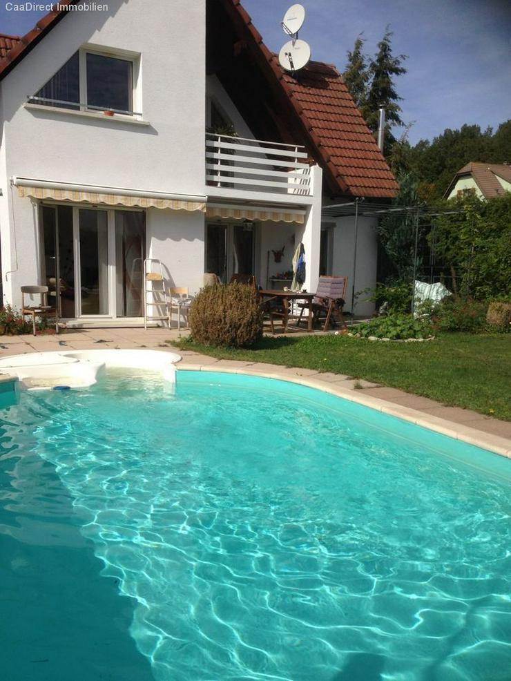 Bild 4: Modernes EFH mit grosszügigem Garten und Pool in ruhiger Lage