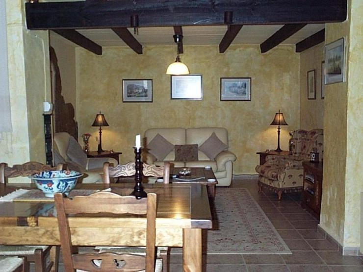 Bild 4: Charmant renoviertes Dorfhaus