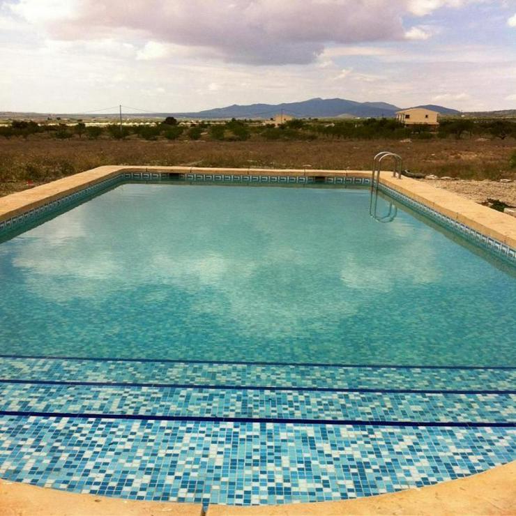 Gemütliches Landhaus mit 10 x 5 m Pool - Bild 1