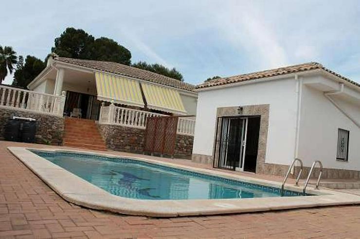Schöne Villa mit Pool - Haus kaufen - Bild 1