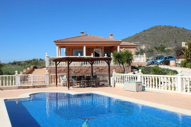 Villa mit 10m Pool - Haus kaufen - Bild 1