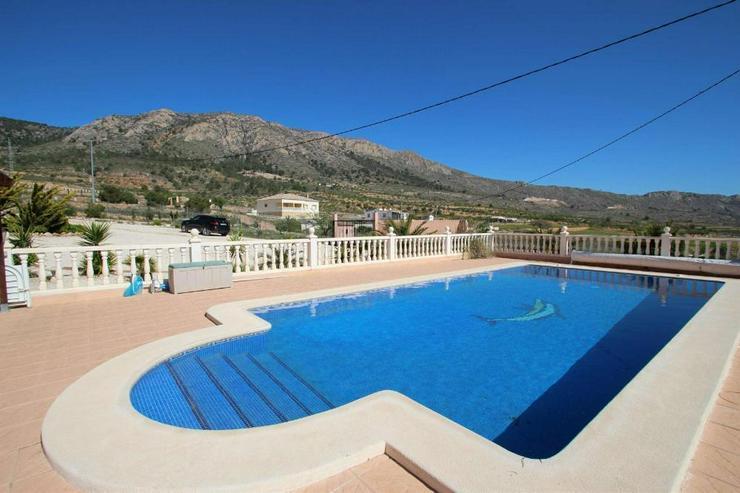 Bild 6: Villa mit 10m Pool