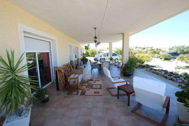 Bild 6: Modernisierte Villa