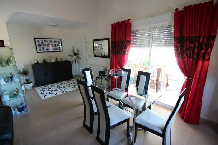 Bild 5: Modernisierte Villa