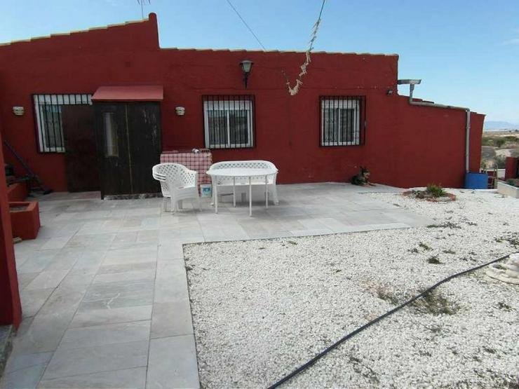 Charmantes Landhaus mit Pool - Haus kaufen - Bild 1